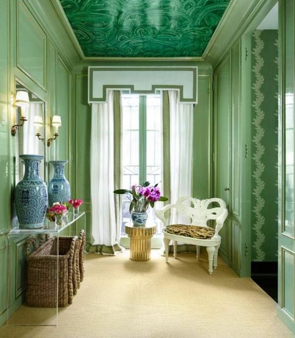 tapis-sisal-dans-une-entrée-verte-magnifique