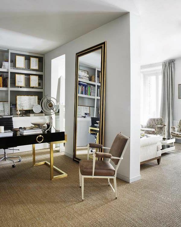 tapis-sisal-un-office-à-la-maison-grand-miroir-rectangulaire