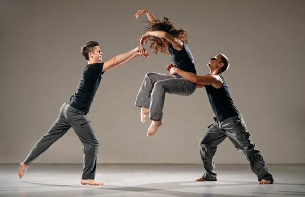 tenue-de-danse-moderne-danseurs-contemporains