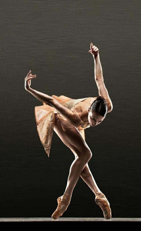 tenue-de-danse-moderne-designs-minimalistes
