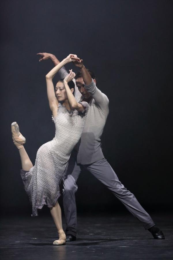 tenue-de-danse-moderne-jolis-moments-de-danse