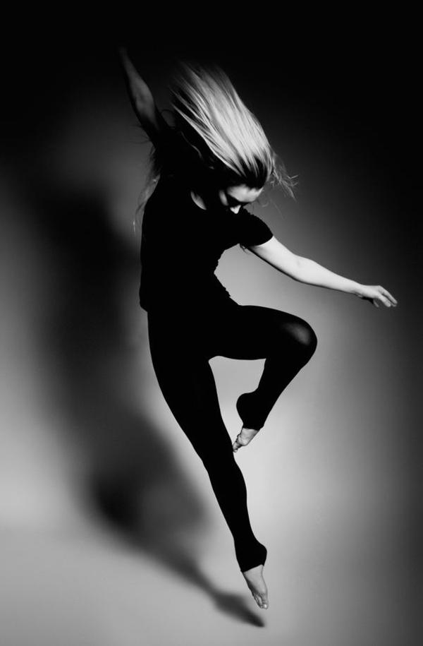 tenue-de-danse-moderne-outfit-simple-en-noir