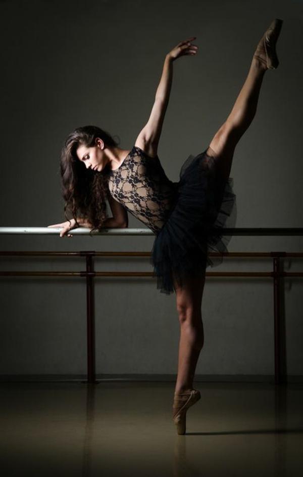 tenue-de-danse-moderne-robe-petite-avec-dentelle