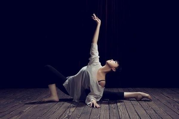 la tenue de danse moderne en 58 photos. Black Bedroom Furniture Sets. Home Design Ideas