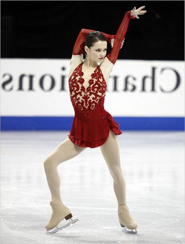 tenue-de-patinage-artistique-costumes-scéniques