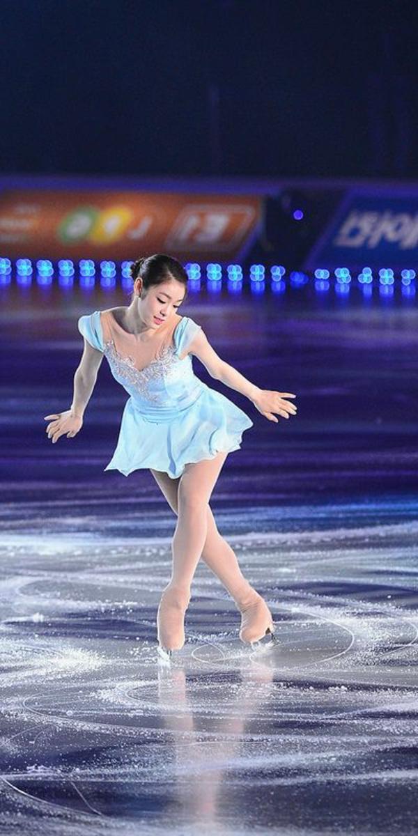 tenue-de-patinage-artistique-la-petite-robe-bleue