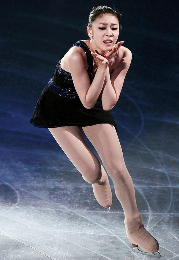 tenue-de-patinage-artistique-les-robes-noires-de-patinage