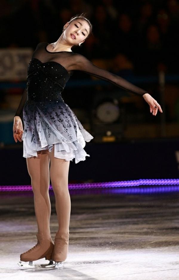 tenue-de-patinage-artistique-partie-transparente