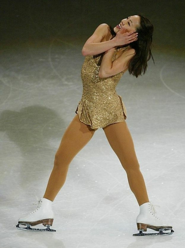 tenue-de-patinage-artistique-robe-brillante
