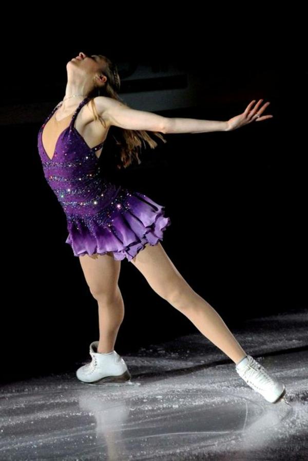 tenue-de-patinage-artistique-robe-couleur-lilas