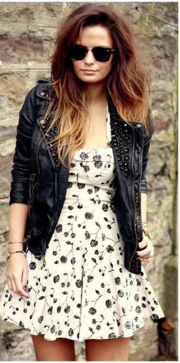 tenue-de-soirée-ou-tenue-chic-en-cuir-robe-fleurie