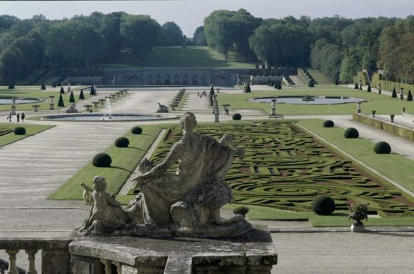 vaux_jardins_fessy-endroit-historique-le-château-resized