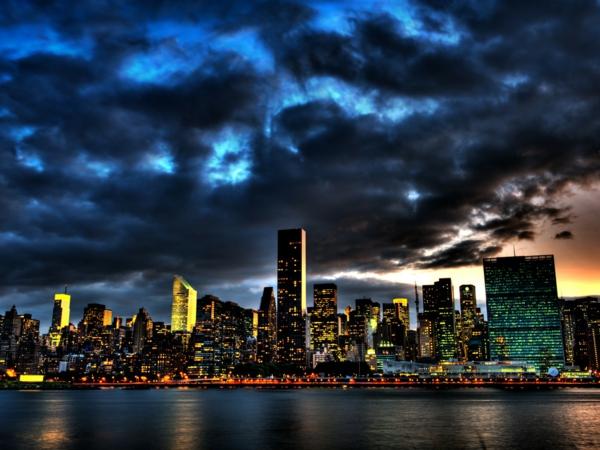 ville-au-couche-du-soleil-sur-la-cote-les-destinations-les-plus-belles-couche-du-soleil