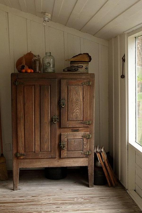 vintage-armoire-ancienne-marron