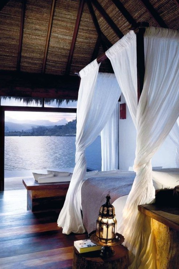 voile-de-lit-blanc-plage