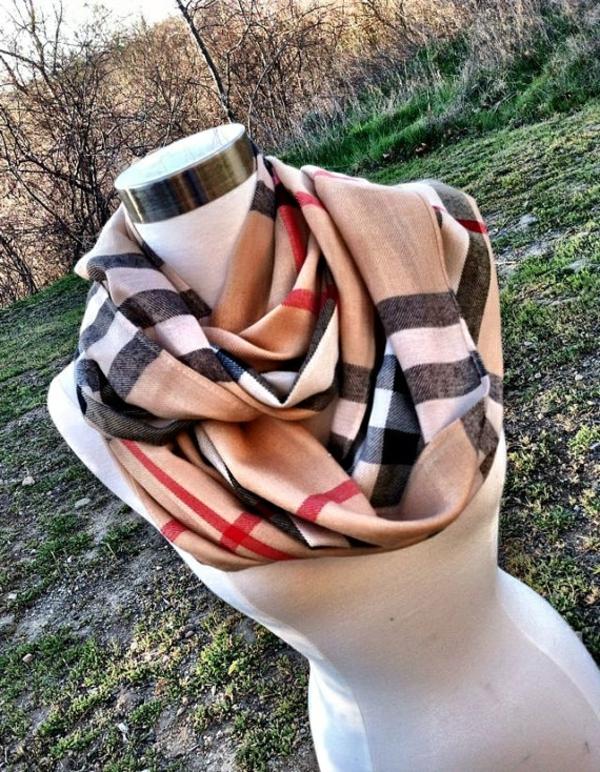 écharpe-burberry-jolie-idée-cadeau-original