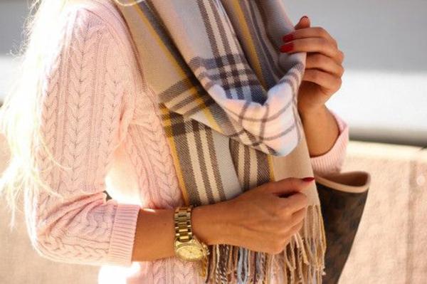 écharpe-femme-mode-tenues-montre-michel-kors