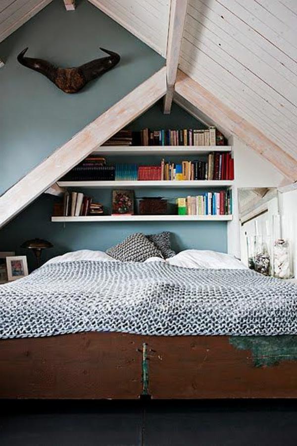 étagère-sous-pente-chambre-coucher