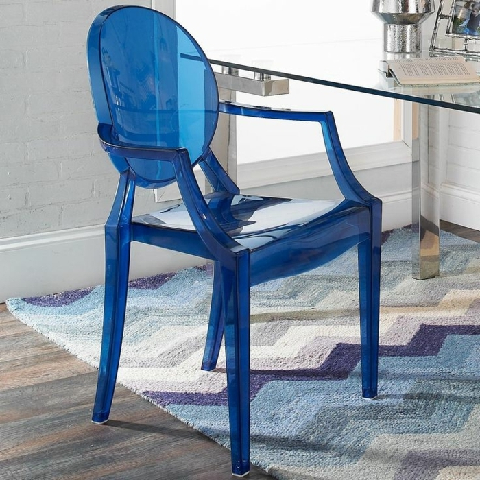 Awesome table de jardin plastique bleu marine contemporary amazing house design for Fauteuil de jardin gifi
