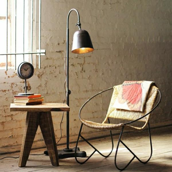 0-lampe-de-lecture-en-fer-sol-en-parquet-chaise-en-bois-fer-lampe-liseuse
