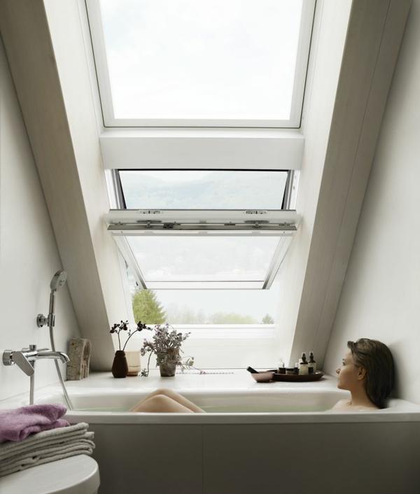 une salle de bain sous pente ou sous combles en 52 photos. Black Bedroom Furniture Sets. Home Design Ideas