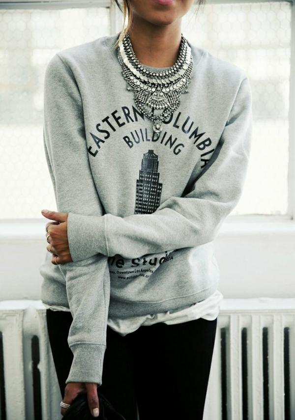 1-élégant-pull-gris-femme-mode-tendance-bijou-gris-femme