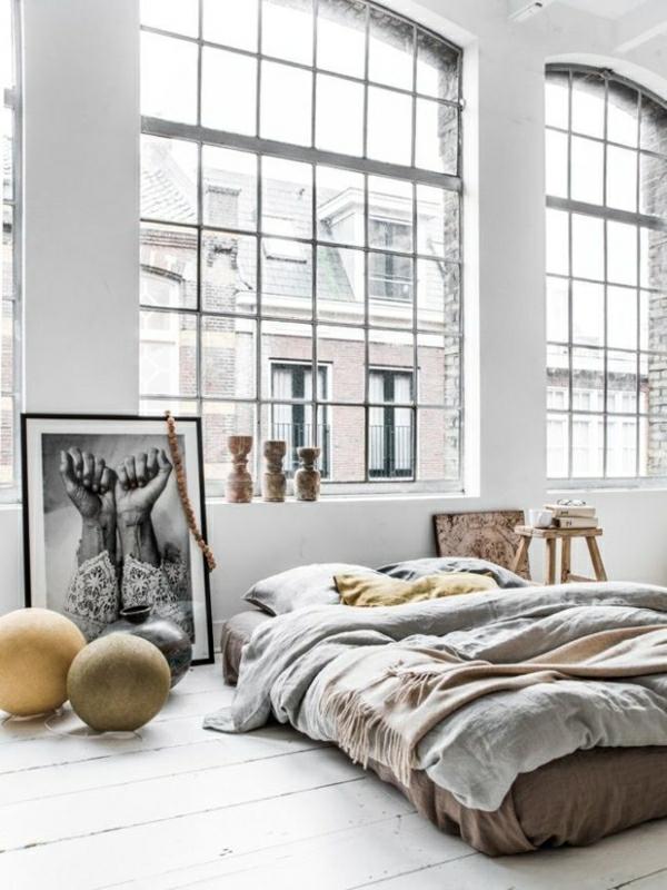 1-aménagement-industriels-lit-peintures-murales-blanc-noir-lit-bas