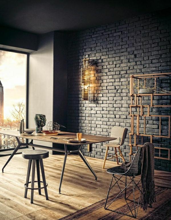 1-aménagement-meubles-industriels-table-industrielle-chaises-bois-fer-grande-fenetre