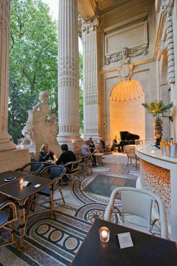 1-architecture-de-style-classique-ornement-riche-opera-paris