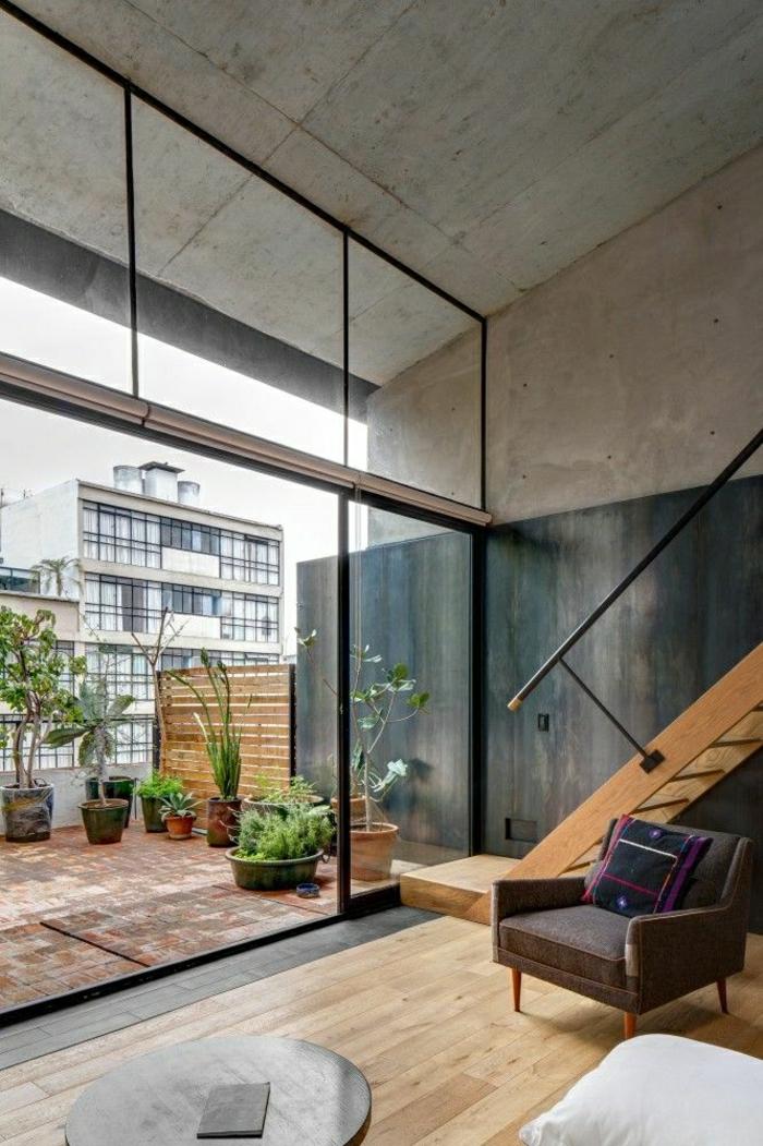 1-ateliers-et-lofts-moderne-mur-en-verre-terrasse-plantes-vertes-belle-vue-vaste-terrasse