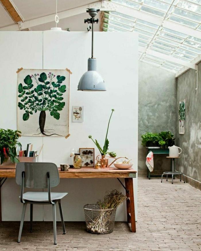1-ateliers-et-lofts-plafond-en-verre-coin-de-travail-plantes-vertes-salon-plein-de-lumière