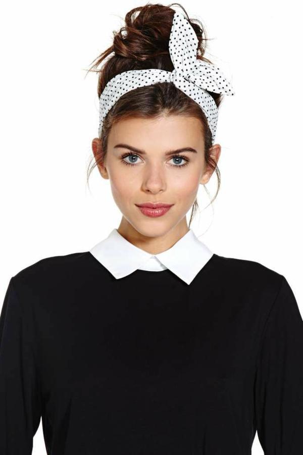 1-bandana-cheveux-brunette-fille-belle-chemise-noire