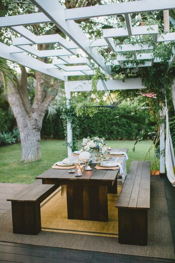 70 photos de tables de jardin qui vont transformer la cour !