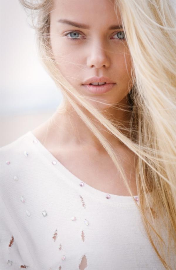 Jelena brillant fille lumineuse russe
