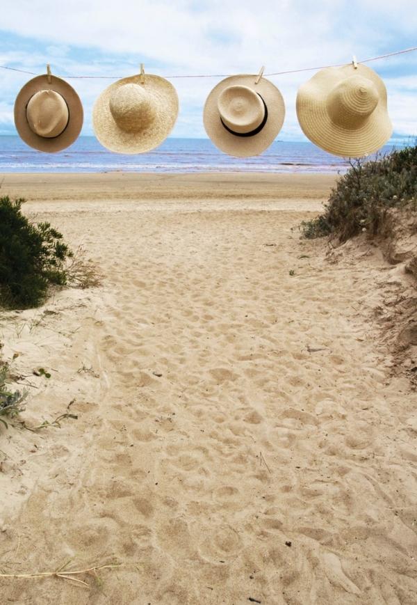 1-chapeau-de-paille-plage-mer-belle-vue