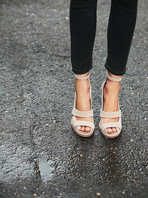 04140fe60f92 Les sandales compensées, un vrai hit de l'été 2015 !   Mode ...