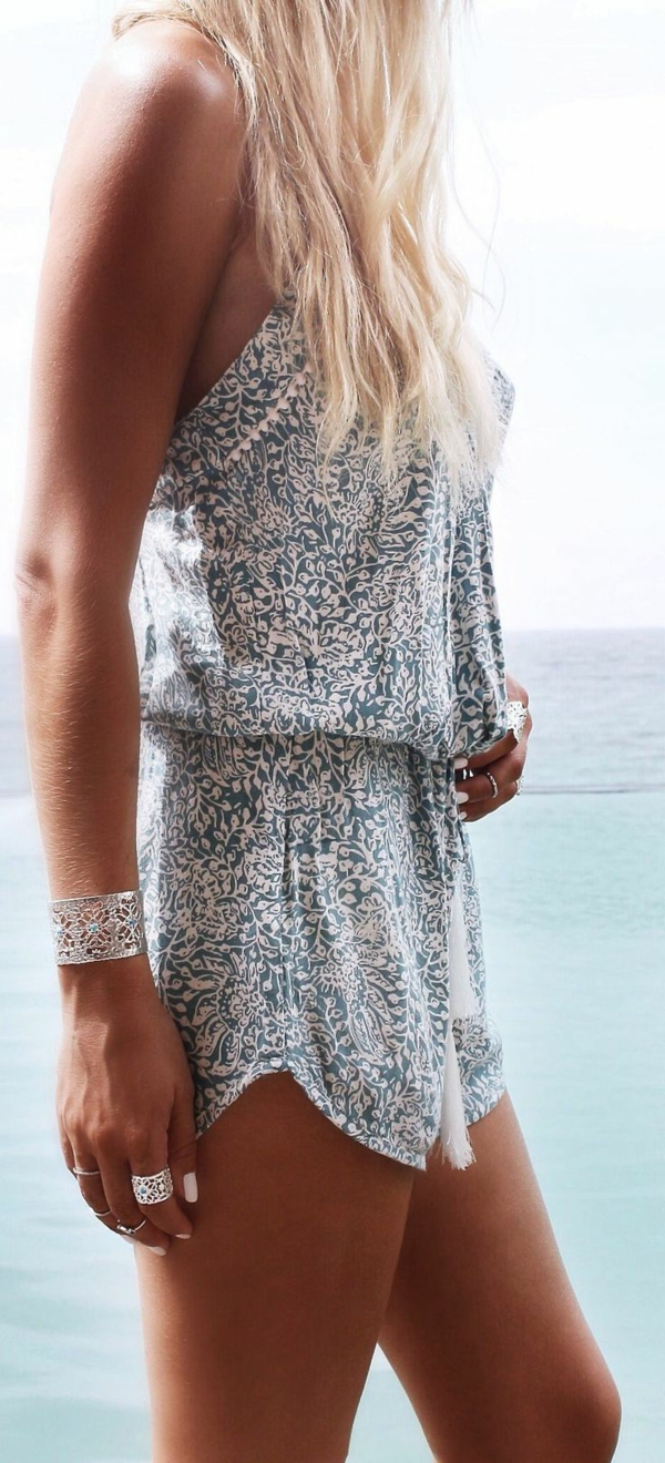 1-combishort-pour-la-plage-femme-blonde-mode-ete-2015