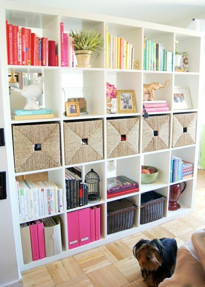 1-cube-de-rangement-en-bois-blanc-livres-etageres-cubes-blanches-salon-moderne