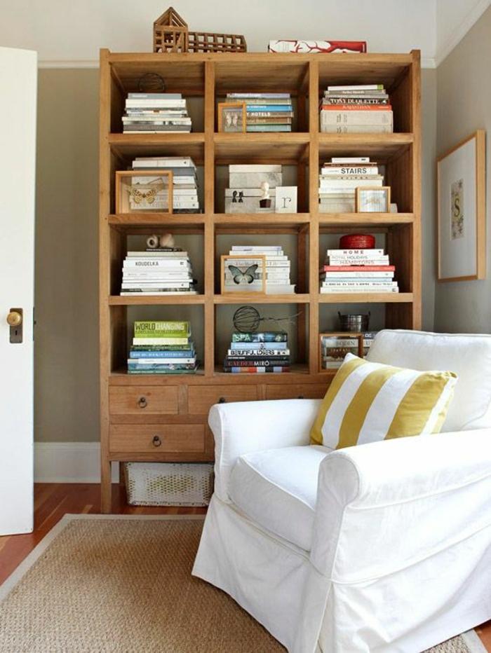 1-cube-de-rangement-en-bois-idée-livres-etageres-cubes-blanches-salon-canapé-blanc