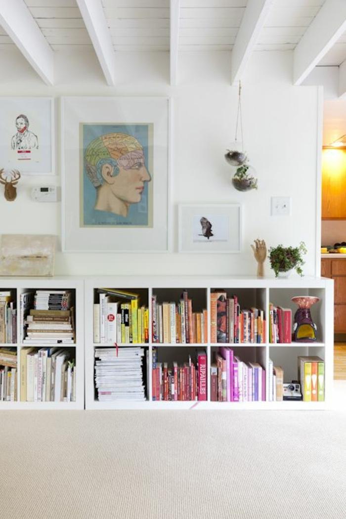 1-cube-de-rangement-en-bois-livres-peintures-murales-décoration-murale-etagere