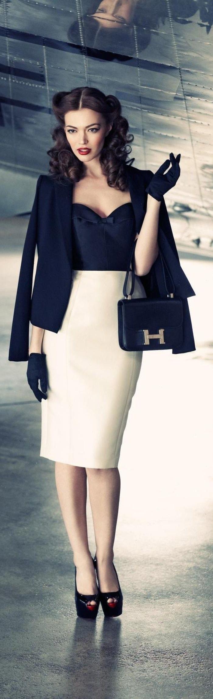 1-femme-avec-jupe-mi-longue-blanche-élégante-cheveux-mi-longues