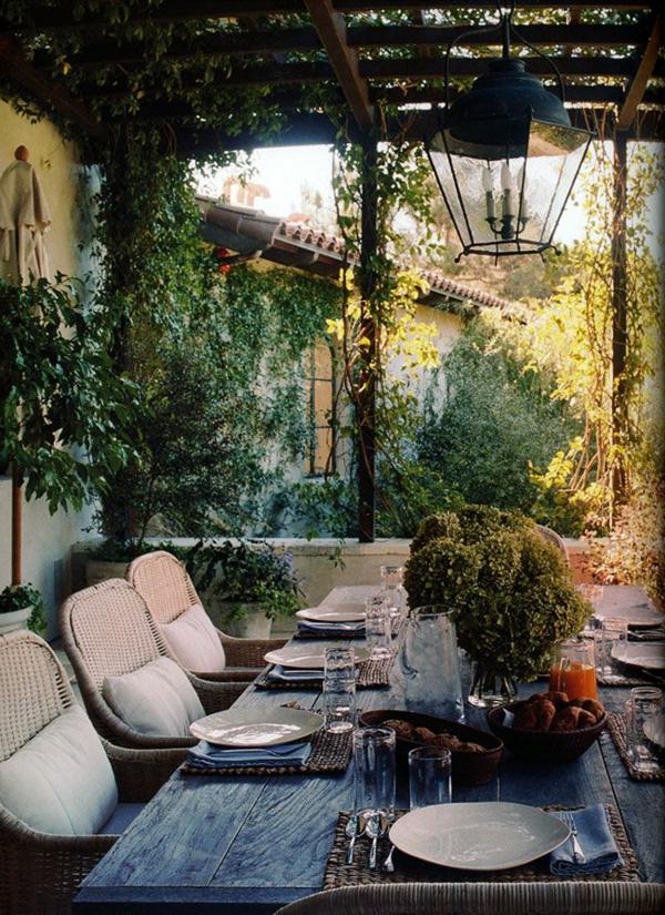 70 photos de tables de jardin qui vont transformer la cour - Grande table de salon en bois ...