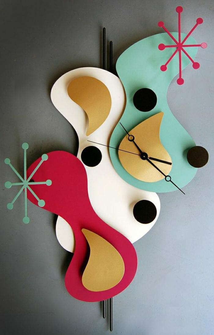 1-horloge-murale-colorée-idée-originale-pour-un-horloge-murale