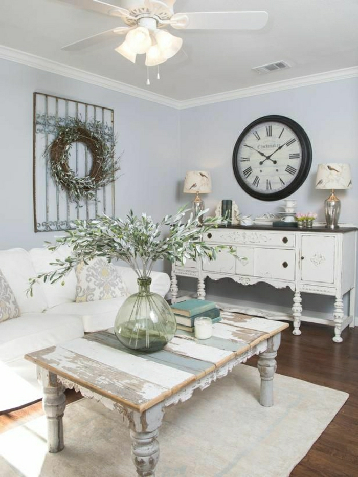 1-horloge-murale-décorative-pendule-de-style-rétro-table-en-bois-dans-le-salon-sol-en-lin
