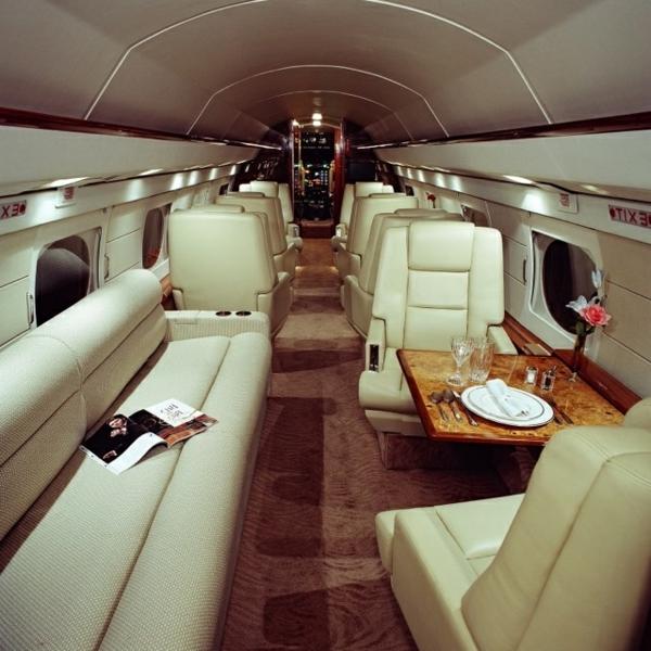1-jet-privé-intérieur-luxe-avion-jet-fly