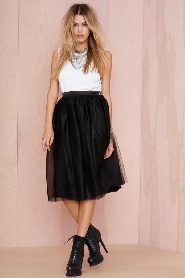 1-jupe-mi-longue-noir-femme-blonde-mode-blanc-noir-mode-rock