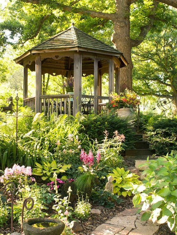 Kiosque de jardin en bois for Construire un kiosque en bois