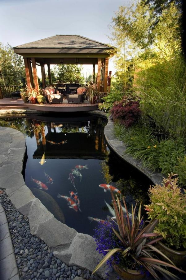 Quel kiosque de jardin pour le cour de vos r ves for Piscine 3 05 x 1 22