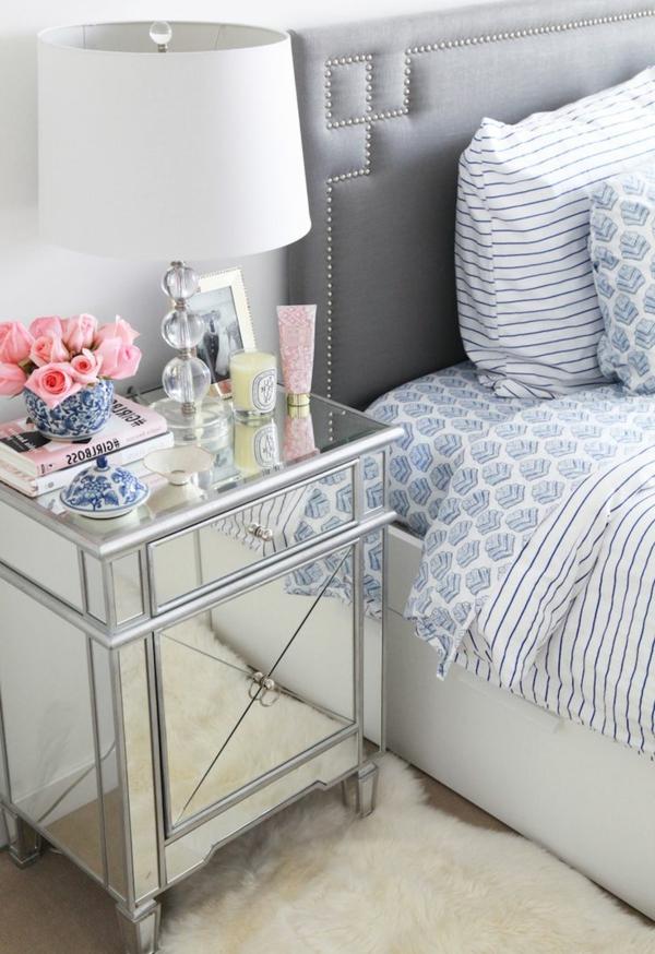 1-lampe-de-chevet-chambre-à-coucher-tapis-blanc-fleurs