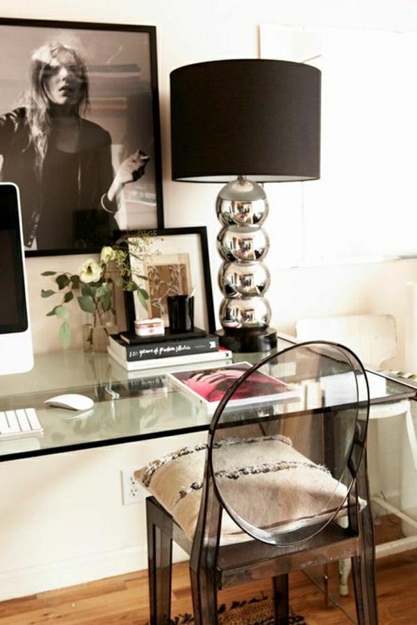 1-lampe-pour-lecture-noir-bureau-en-verre-chaise-lit-blanc-peinture